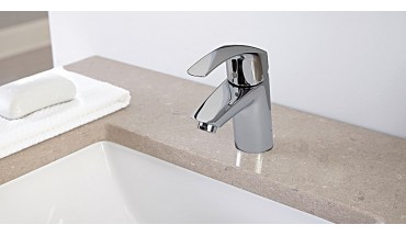 How to Clean Chrome Taps
